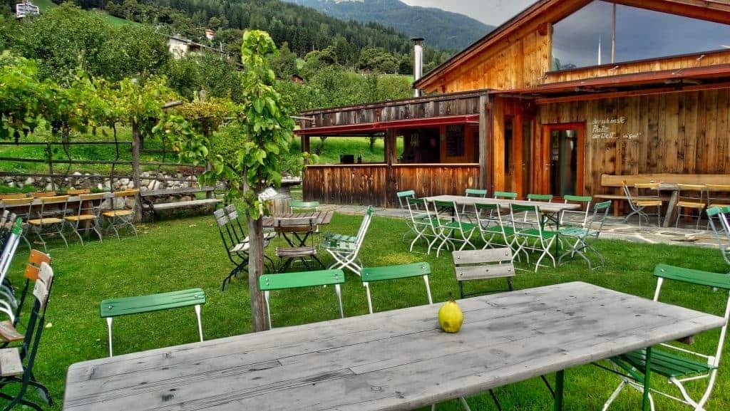 Der Buschenschank Radoar mit Weingut und Brennerei - Club Winery