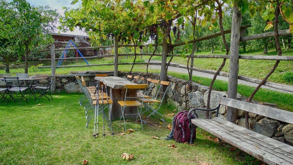 Der Radoar liegt direkt am Keschtnweg in Feldthurns und ist beliebt bei Wanderern - Club Winery