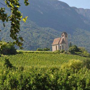 Die Kapelle St. Sebastian am Schloss Englar - ideal für eine traumhafte Hochzeit