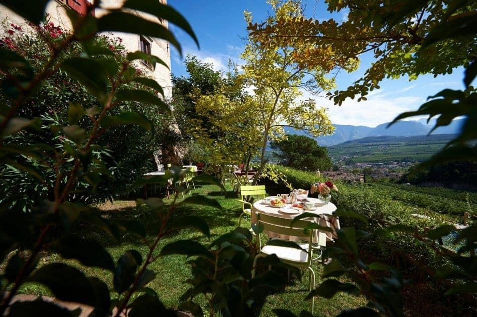 Frühstücken über Weinberge - Schloss Englar - Club Winery Südtirol