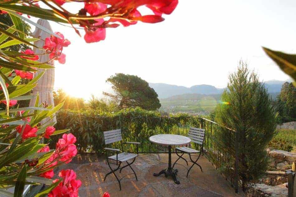 Genießen Sie die Sonnenstrahlen auf Schloss Englar - Club Winery Südtirol