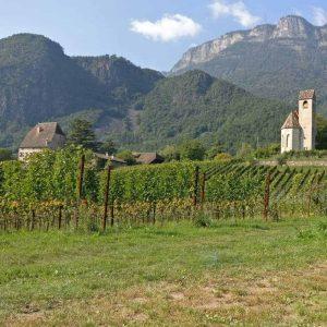 Schloss Englar mit Kapelle