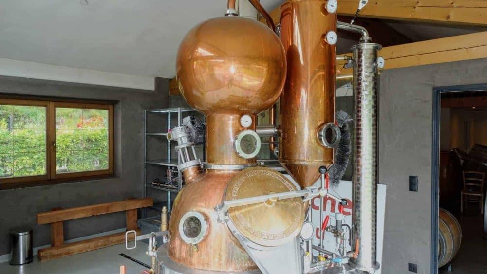Schnaps-Brennerei Spitalerhof besuchen - Weingeschenk mit Club Winery
