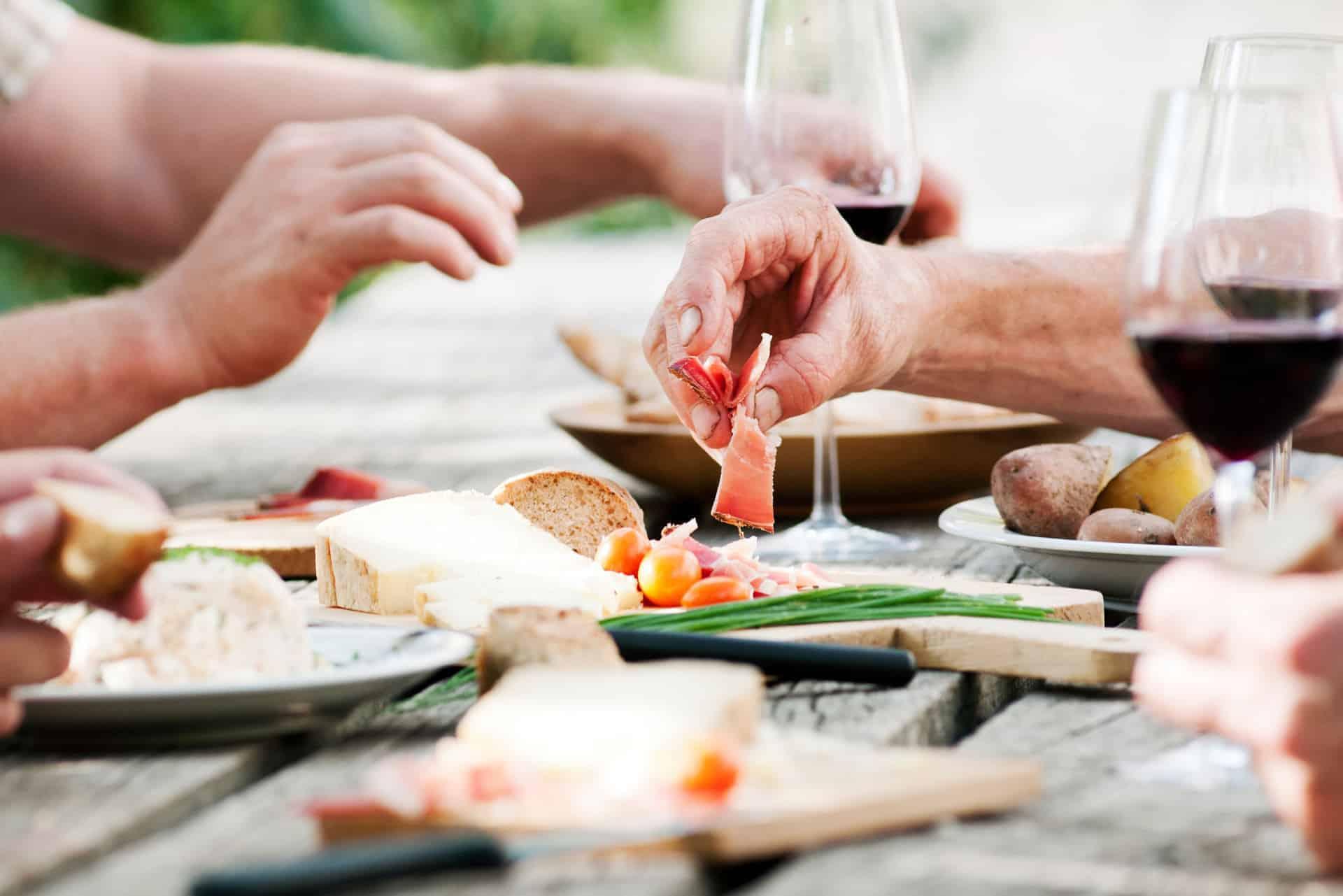 Traditionelles Essen am Buschenschank Rielingerhof - Club Winery