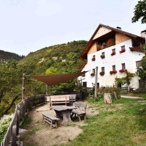 Weingut Rielingerhof mit Buschenschank in Südtirol - Club Winery