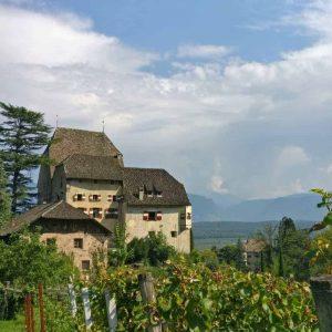 Weingut Schloss Englar an der Südtiroler Weinstraße